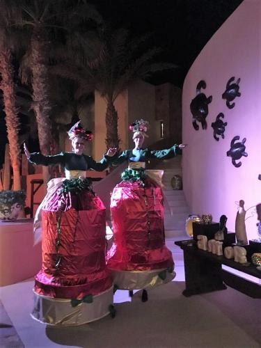 Christmas Stilt-Walking Act at Pedregal Luxury Resort, Cabo San Lucas, Mexico